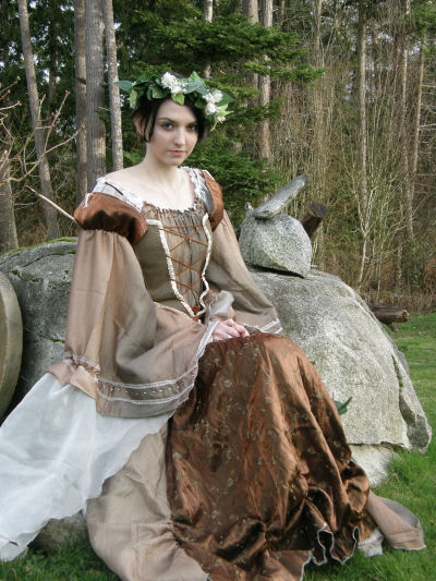 What a beautiful medieval costume made from things like curtains and different types of fabrics.