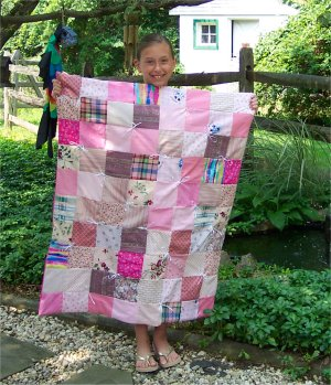 Alycia makes her very first quilt to go in her new pink bedroom!