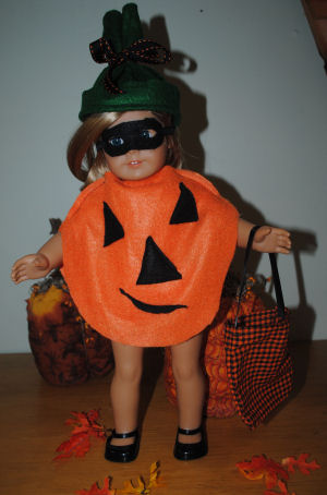 How to make an American girl doll Pumpkin halloween costume with a mask and trick or treat bag.