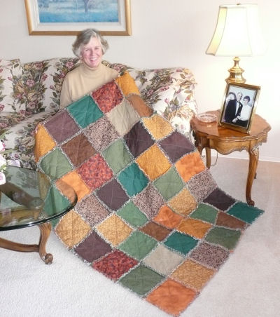 Easy to sew country charm raggedy quilt.
