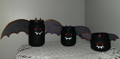 halloween craft for kids a glitter bat family made from different size baby jars