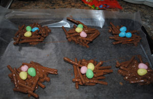 Bird's Nest Candy: Homemade Chocolate Covered Pretzels and Caramel