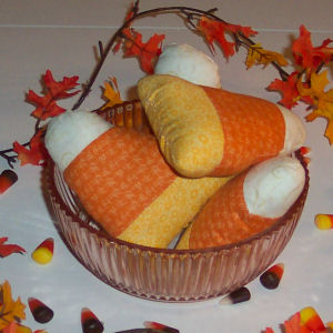 Stitch up some fabric candy corns for Autumn decorating with these free directions.
