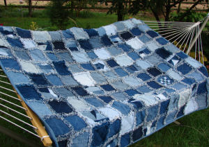CRAFTS LINKS: Denim Rag Quilt