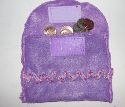 kids can sew and make crafts, learn to sew a little felt change purse.