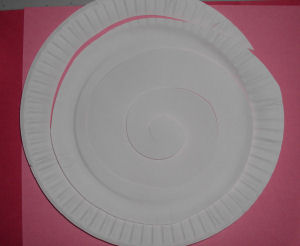 How to Make a Valentine Hearts Paper Plate Mobile Craft Project for kids. & How to Make a Valentine Hearts Paper Plate Mobile Craft Project ...