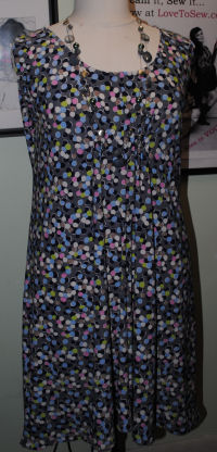 Here is the dress from McCall's sewing pattern 6074, the one hour dress that's easy to sew.