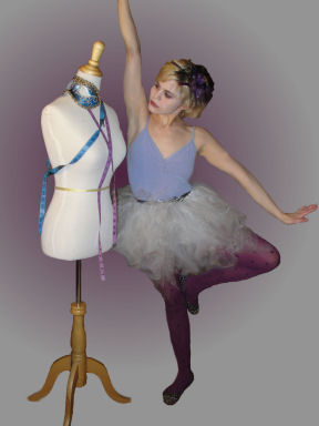 How to make a no-sew tutu just by tying knots of tulle onto a piece of ribbon.