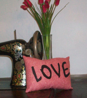 How to sew a LOVE pillow for Valentine's Day. Valentine's day sewing project.