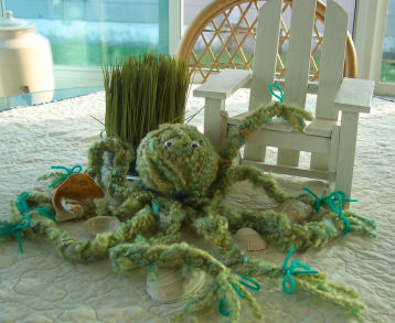 Click on the octopus to get your free directions on how to make this yarn sea creature.