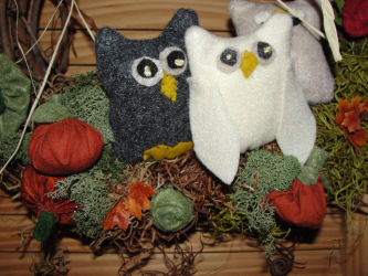 Love to Sew Studio Owl Family Wreath Workshop.
