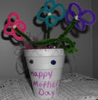A mother's day craft for kids, a flower bouquet made from pipecleaners!