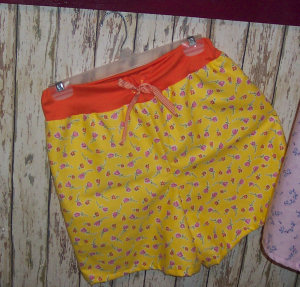 When sewing pajama shorts, add a different color band on the top.