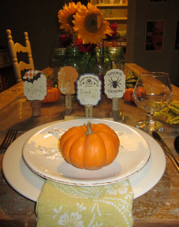 table place settings for halloween and thanksgiving - Halloween Place Settings
