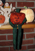 Free Halloween craft - How to sew a cute pumpkin doll.