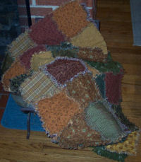 Quilt DIY tutorials for raggedy, pieced, patchwork, and applique quilting projects to sew.