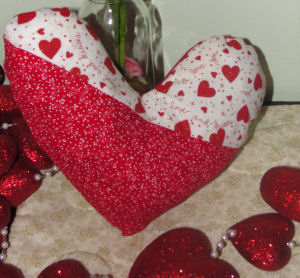 Sewing projects and patterns for Valentine's day decorating.