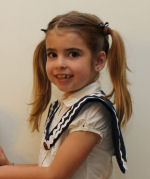 You can sew and make this cute little girl's sailor collar!