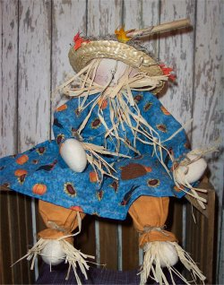Handmade scarecrow doll that is so easy to sew.