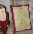 Free patterns and project ideas for handmade Christmas crafts and decorations.
