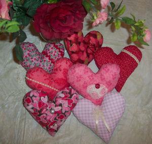 اتحفي غرفتك بالقلوب valentinehearts.jpg