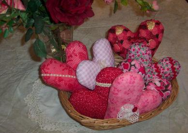 اتحفي غرفتك بالقلوب valentineheartslrg.j