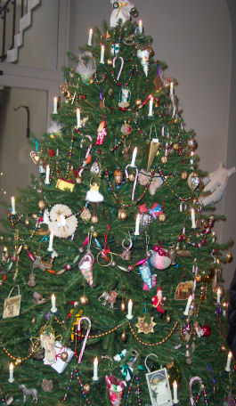 Superb Christmas Tree History Christmas Traditions Sewing For Christmas Easy Diy Christmas Decorations Tissureus