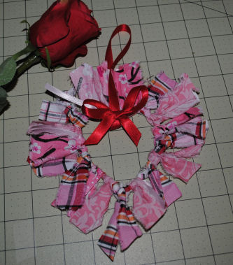 How To Make A Valentine Hanging Heart From Fabric Scraps